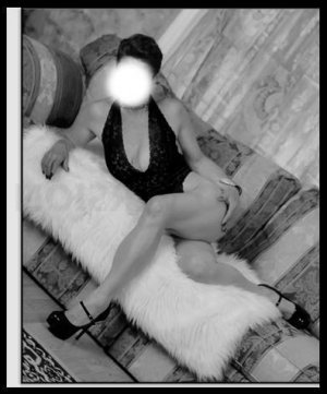 Stanie erotic massage in McMinnville, escort girl