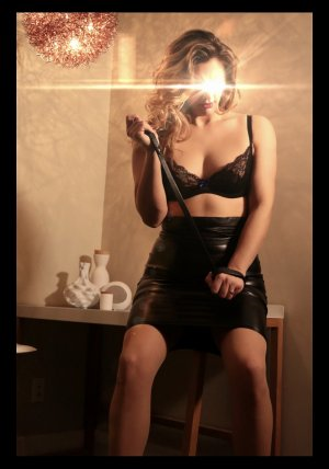 Léa-lou erotic massage & escorts