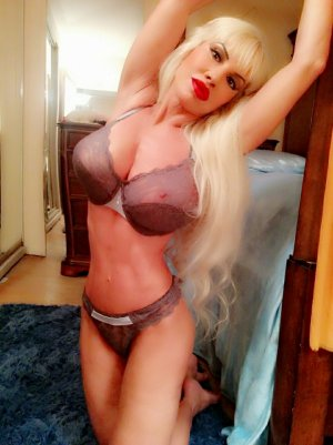 Sybil live escort and thai massage