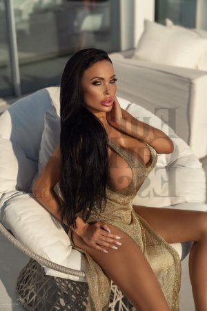 Mikaela nuru massage in River Ridge Louisiana, live escort