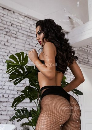 Gilbertine call girl & nuru massage