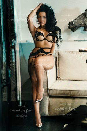Iliana escort girls