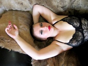 Weronika escort girl and thai massage